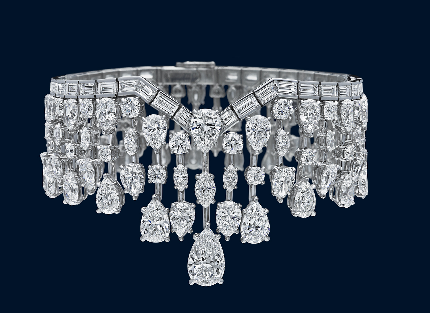 HIGH JEWELRY DIAMOND NECKLACE MADE BY HARRY WINSTON AND SHOT BY DAVID FILIBERTI