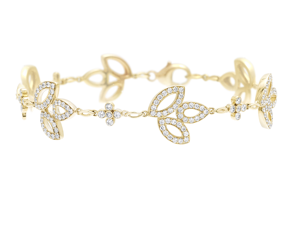 HIGH JEWELRY DIAMOND AND GOLD BRACELET MADE BY HARRY WINSTON AND SHOT BY DAVID FILIBERTI
