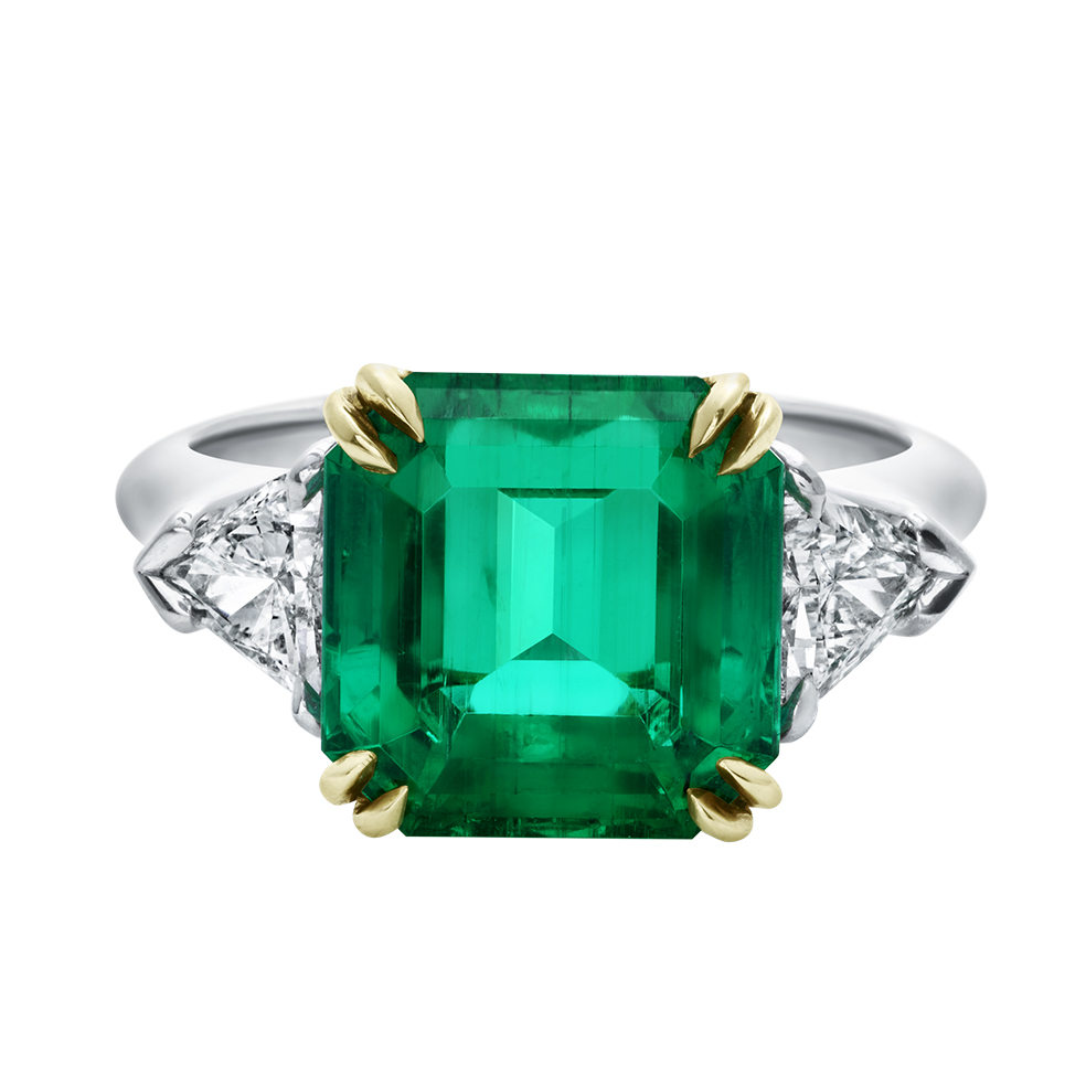 HIGH JEWELRY DIAMOND AND EMERALD RING MADE BY HARRY WINSTON AND SHOT BY DAVID FILIBERTI